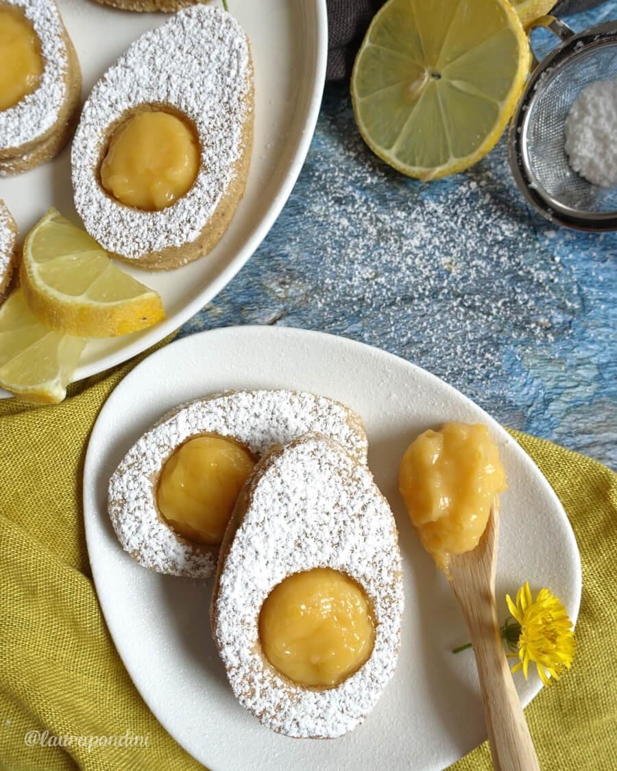 Easter Egg Cookies con lemon curd la ricetta light senza burro