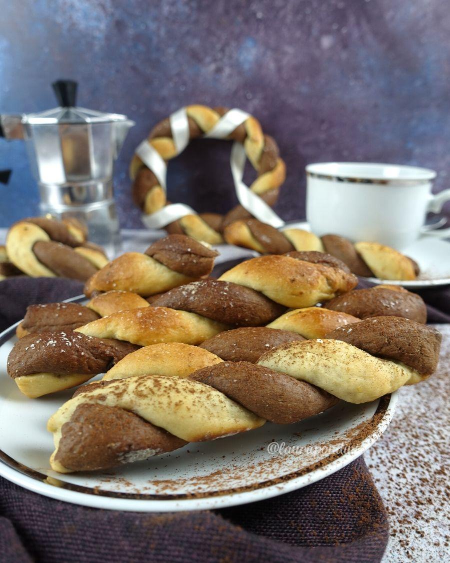Treccine bicolore: la Ricetta facile senza zucchero