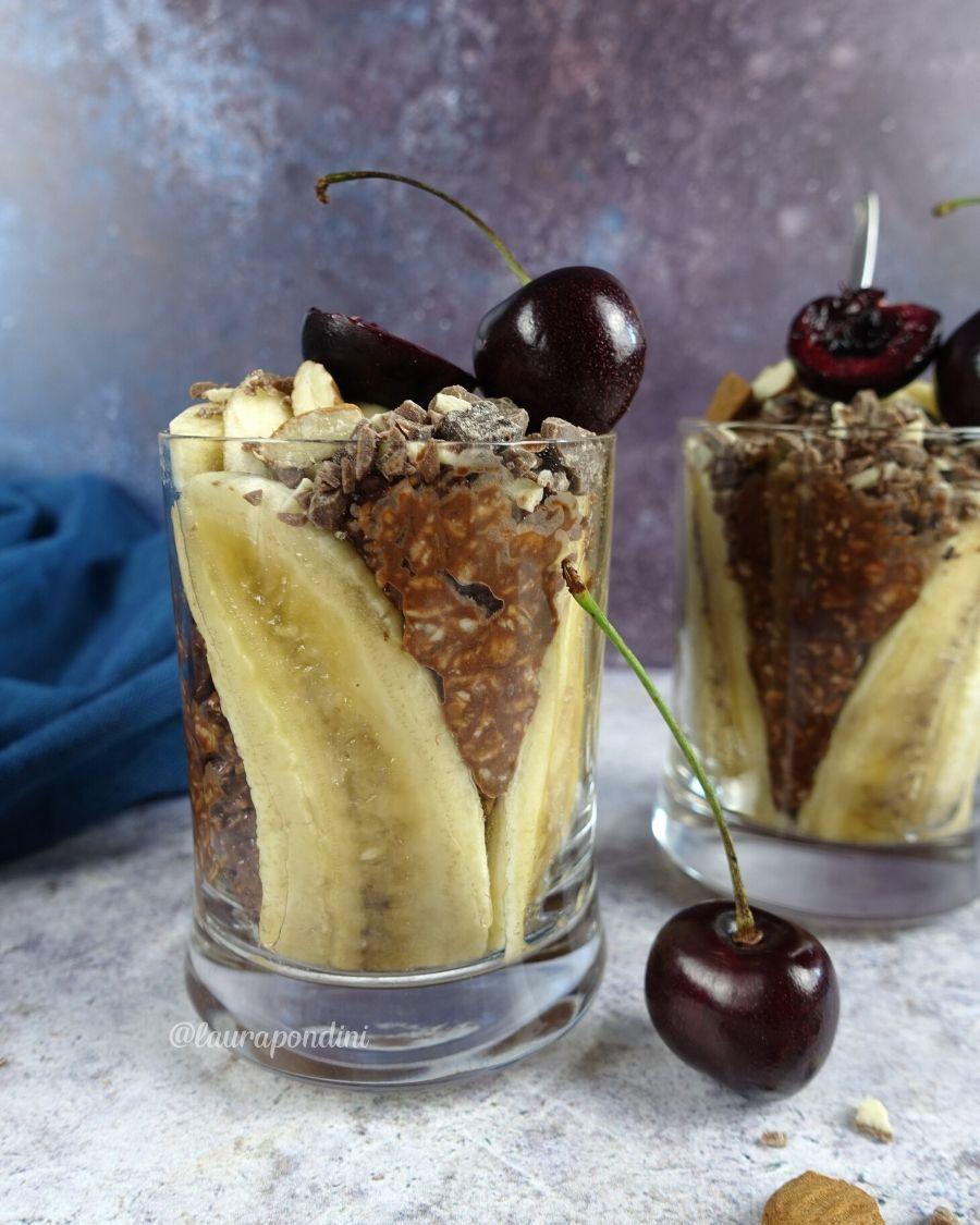 Zuppa di avena fredda banana e cioccolato: la Ricetta light