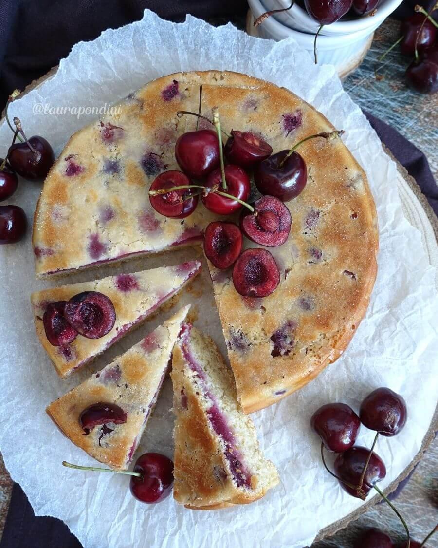 Torta rovesciata di Ciliegie: la Ricetta fit senza lattosio