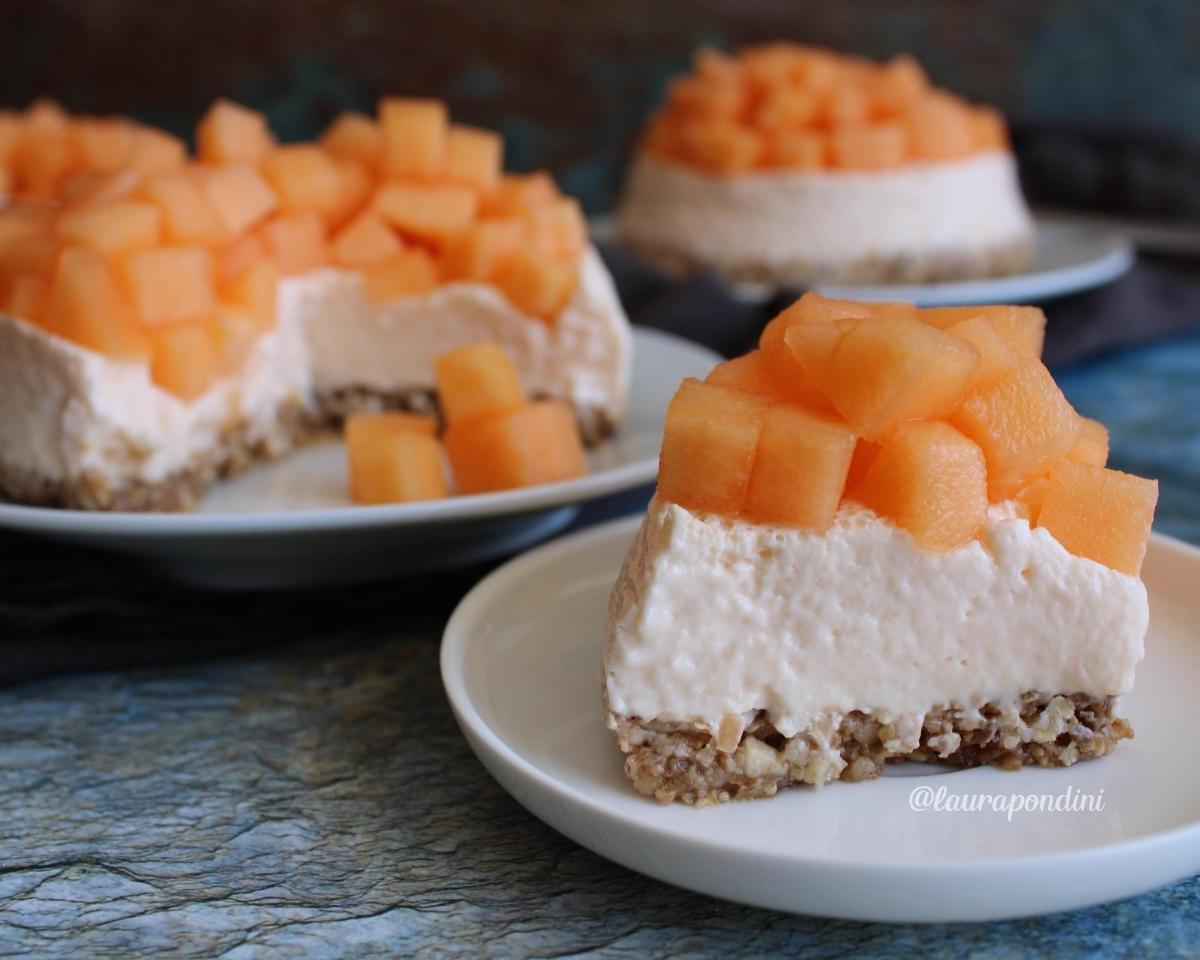 Cheesecake cremosa al melone: la Ricetta fit senza cottura