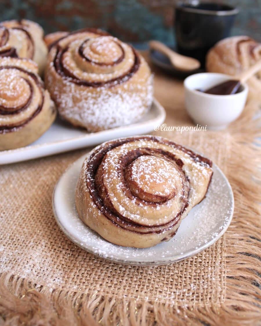 Girelle di pan brioche alla banana con crema al cacao: la Ricetta light senza lattosio