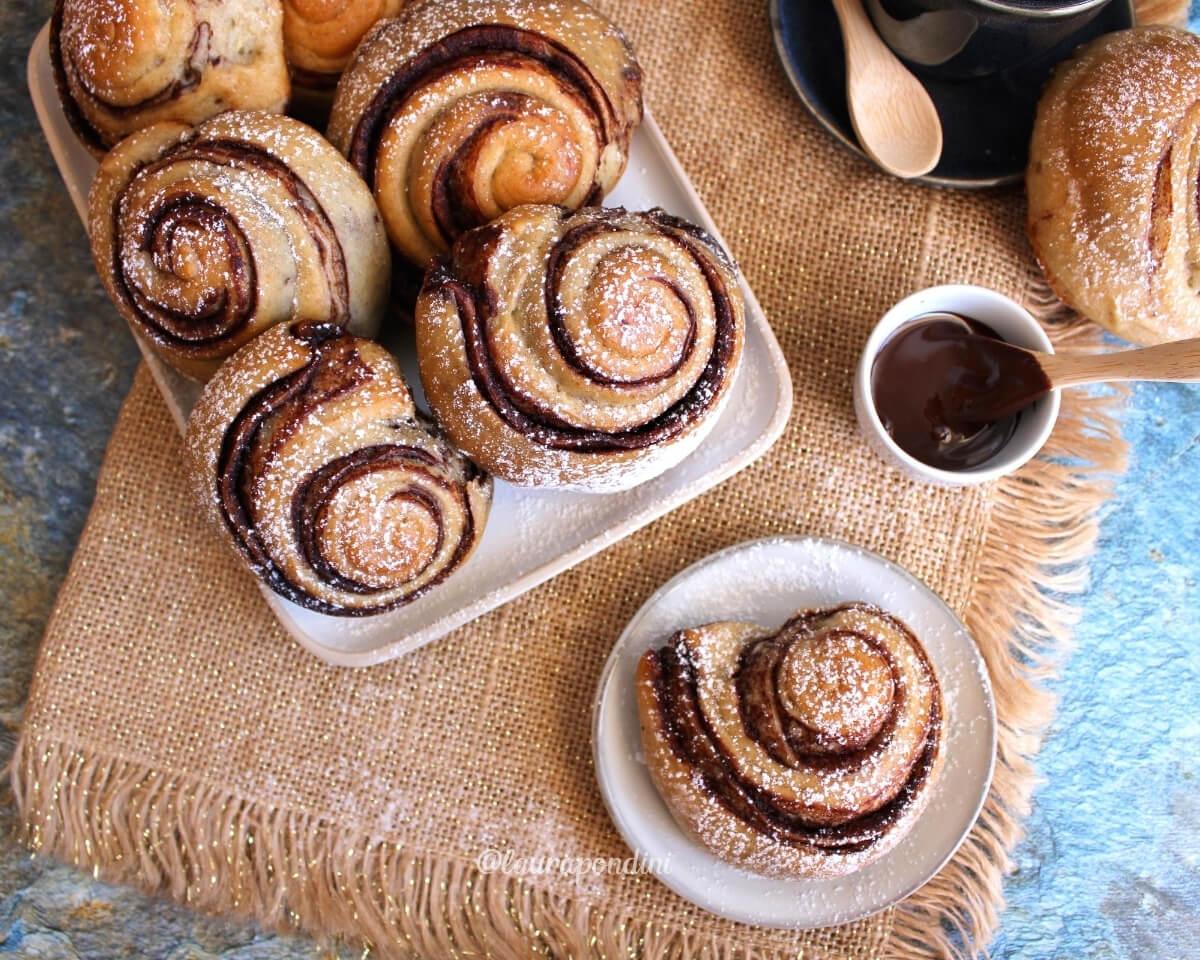 Girelle di pan brioche alla banana con crema al cacao: la Ricetta vegana