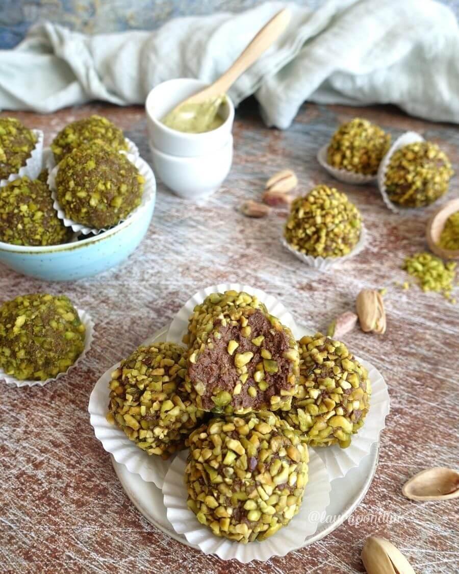 Tartufini di ricotta, pistacchio e cacao: la Ricetta fit senza burro