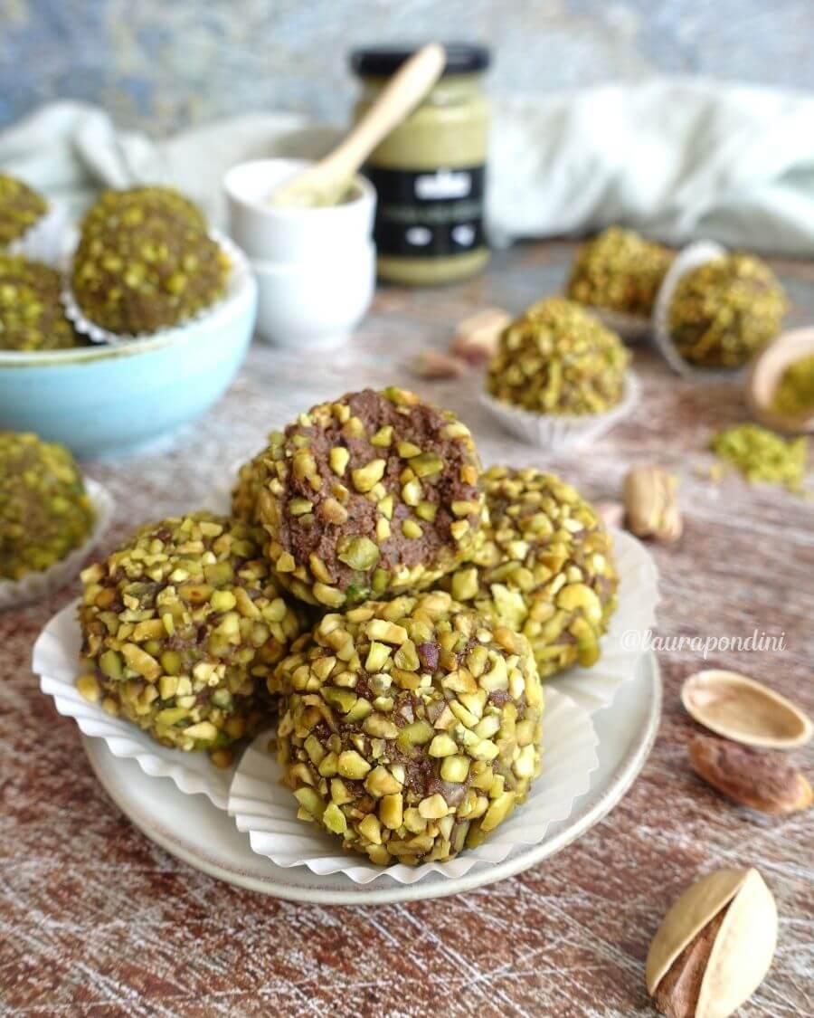 Tartufini di ricotta, pistacchio e cacao: la Ricetta light senza uova