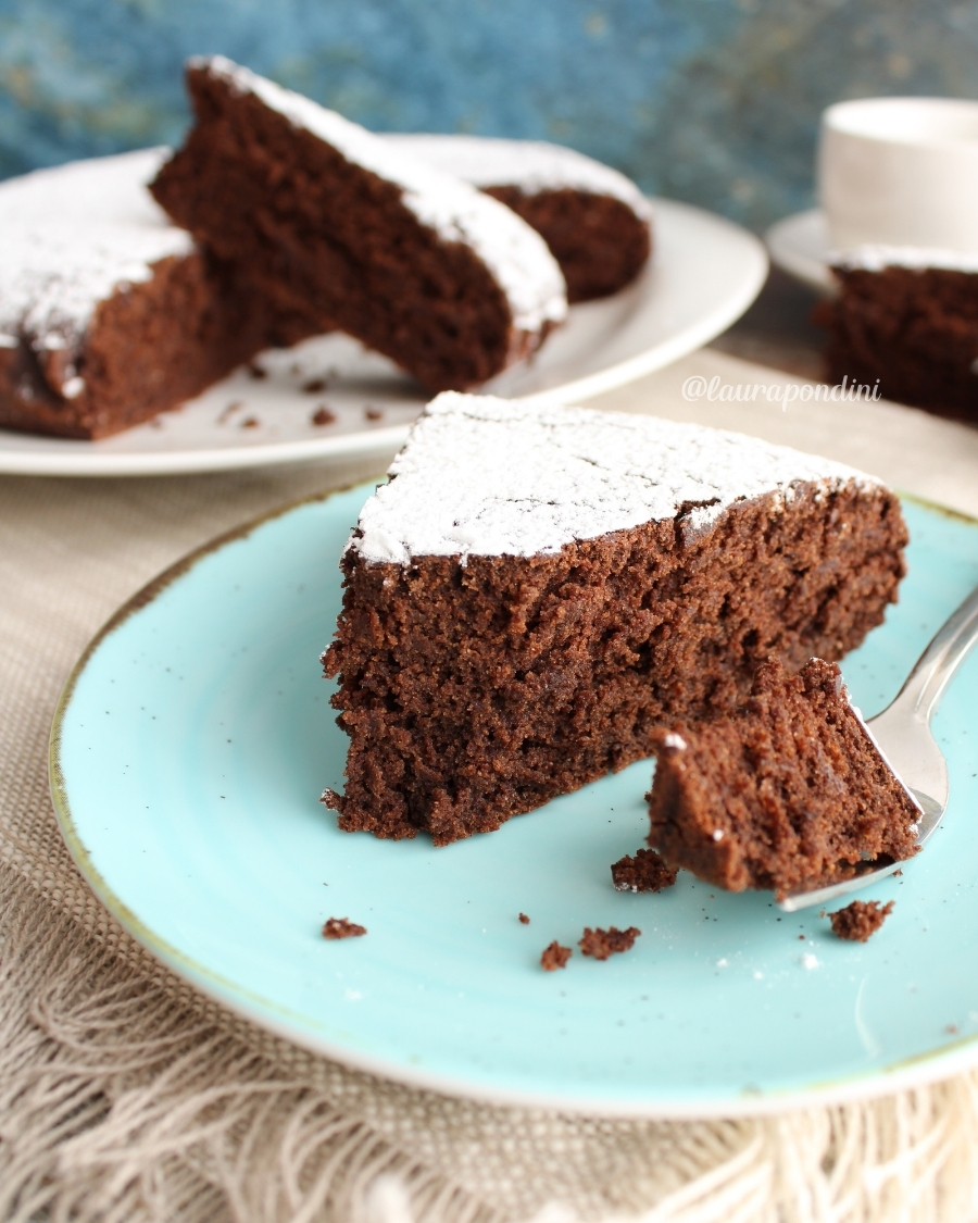 Torta vegana senza glutine al cacao: la Ricetta fit