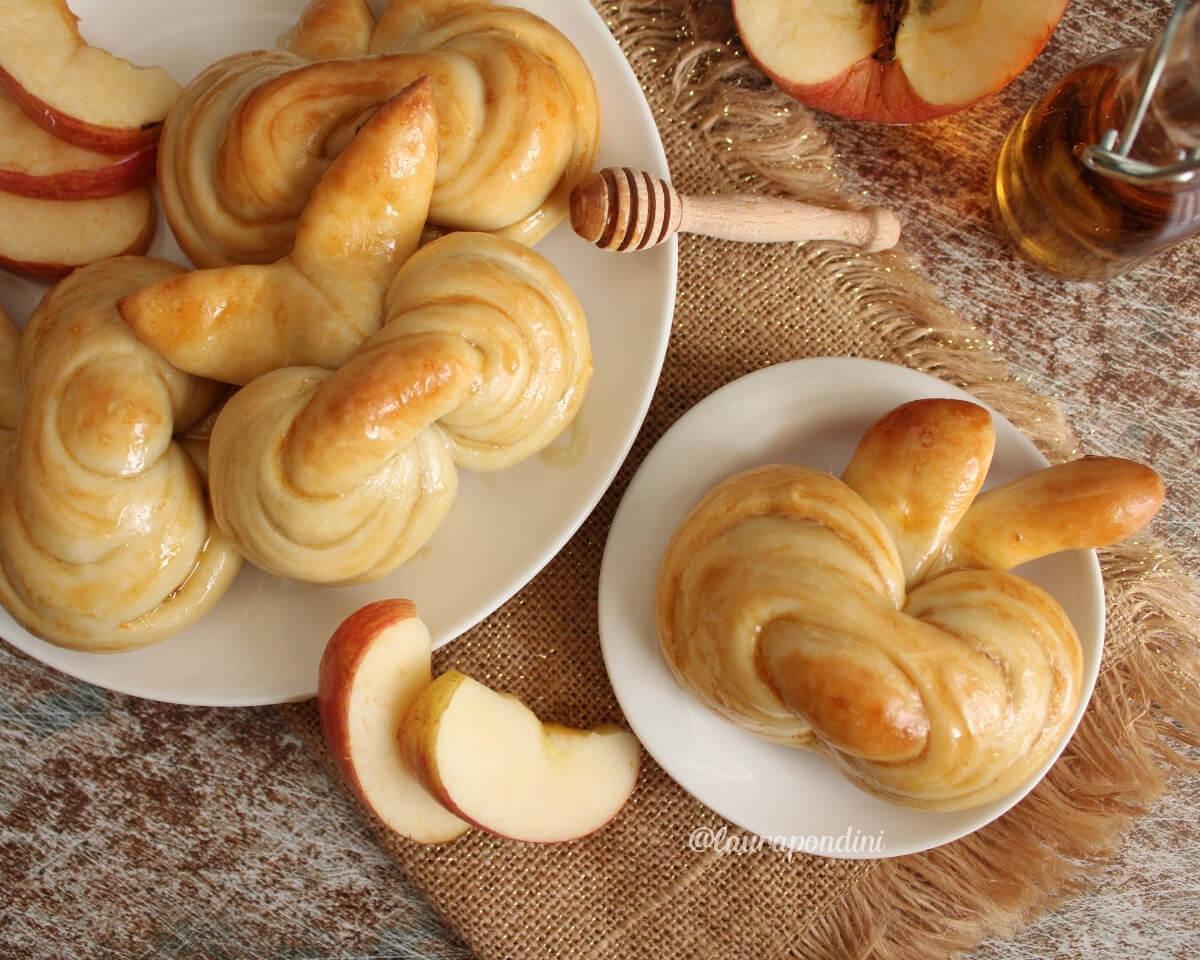 Apple Challah: la Ricetta soffice senza latticini