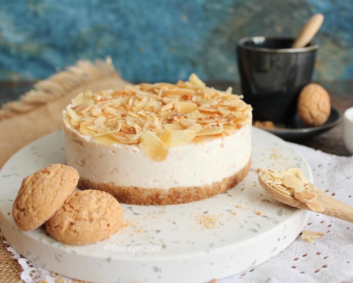 Cheesecake amaretti e mandorle: la Ricetta light senza burro