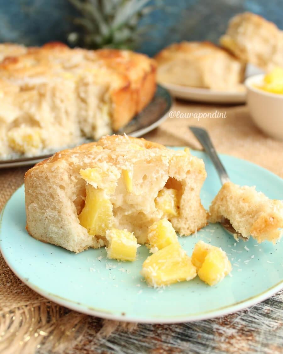 Rolls di pan brioche ananas e cocco: la Ricetta fit e proteica