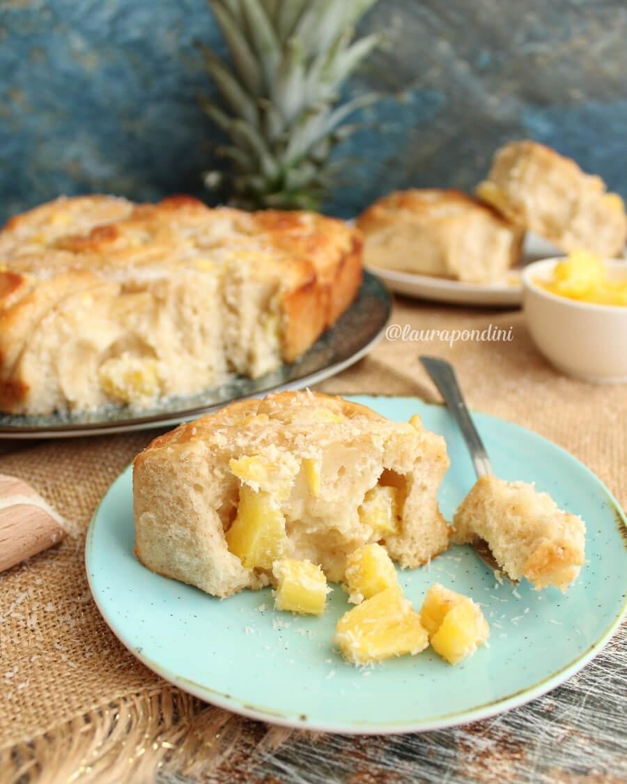 Rolls di pan brioche ananas e cocco: la Ricetta light
