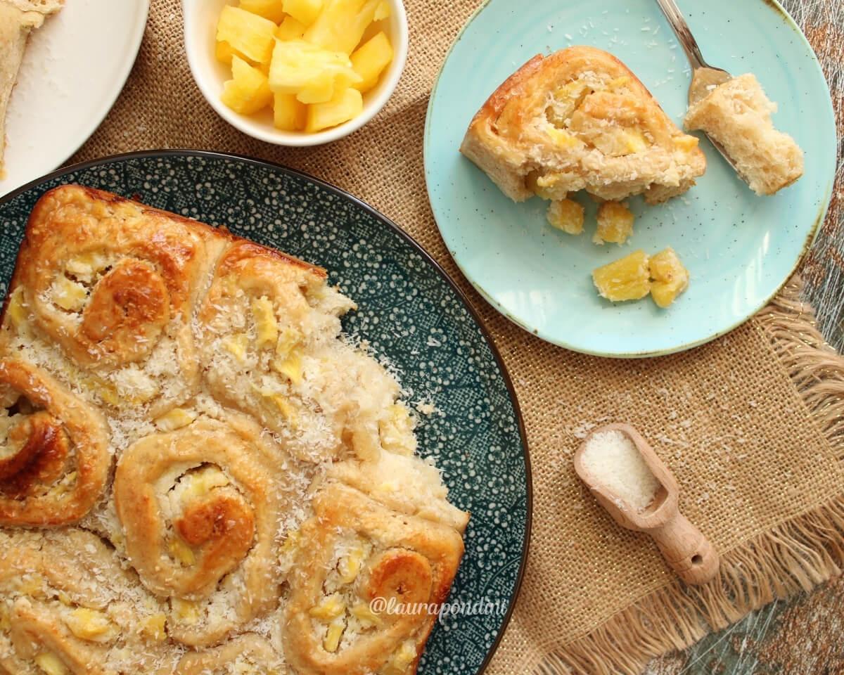 Rolls di pan brioche ananas e cocco: la Ricetta soffice e proteica
