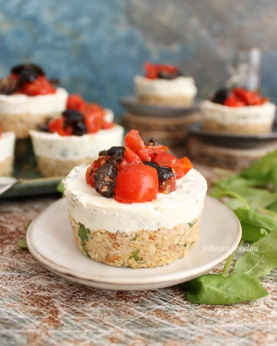 Cheesecake salata tonno e rucola: la Ricetta light