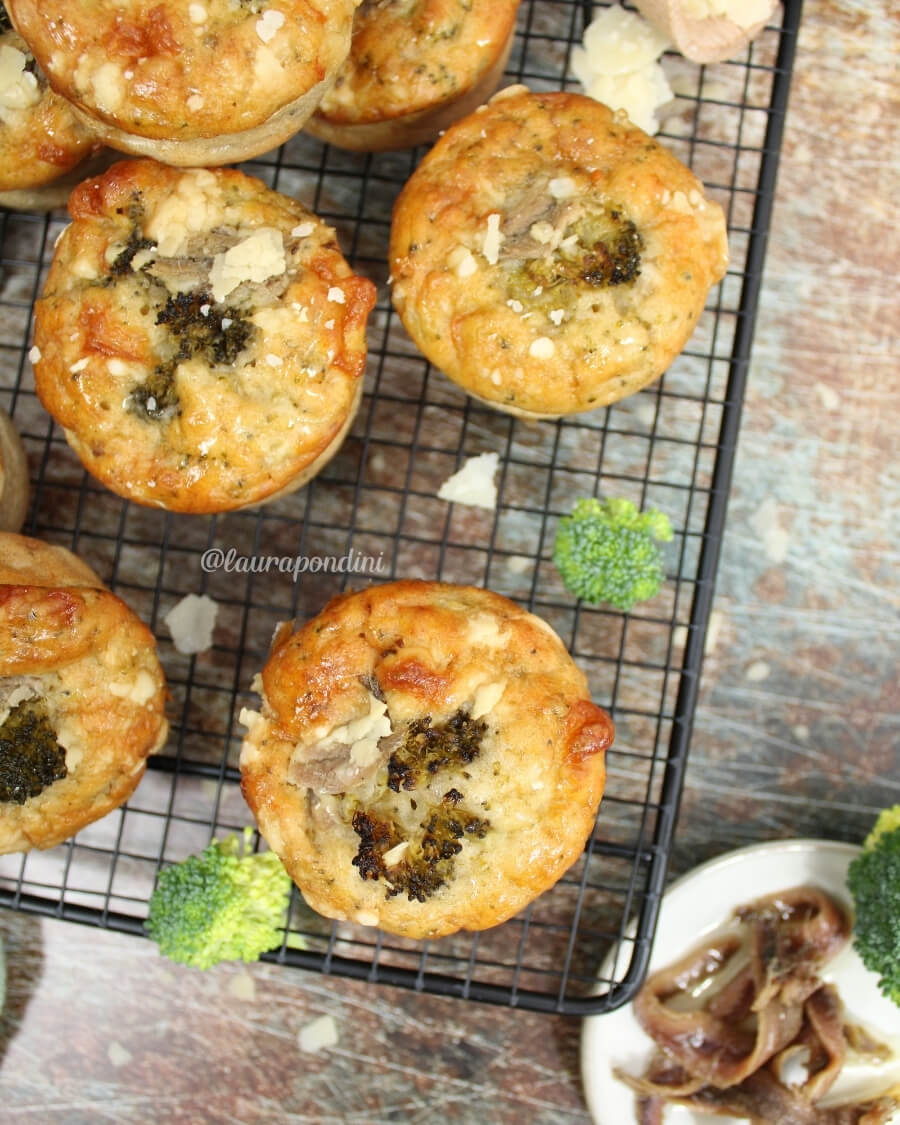 Muffin broccoli e alici senza burro e olio