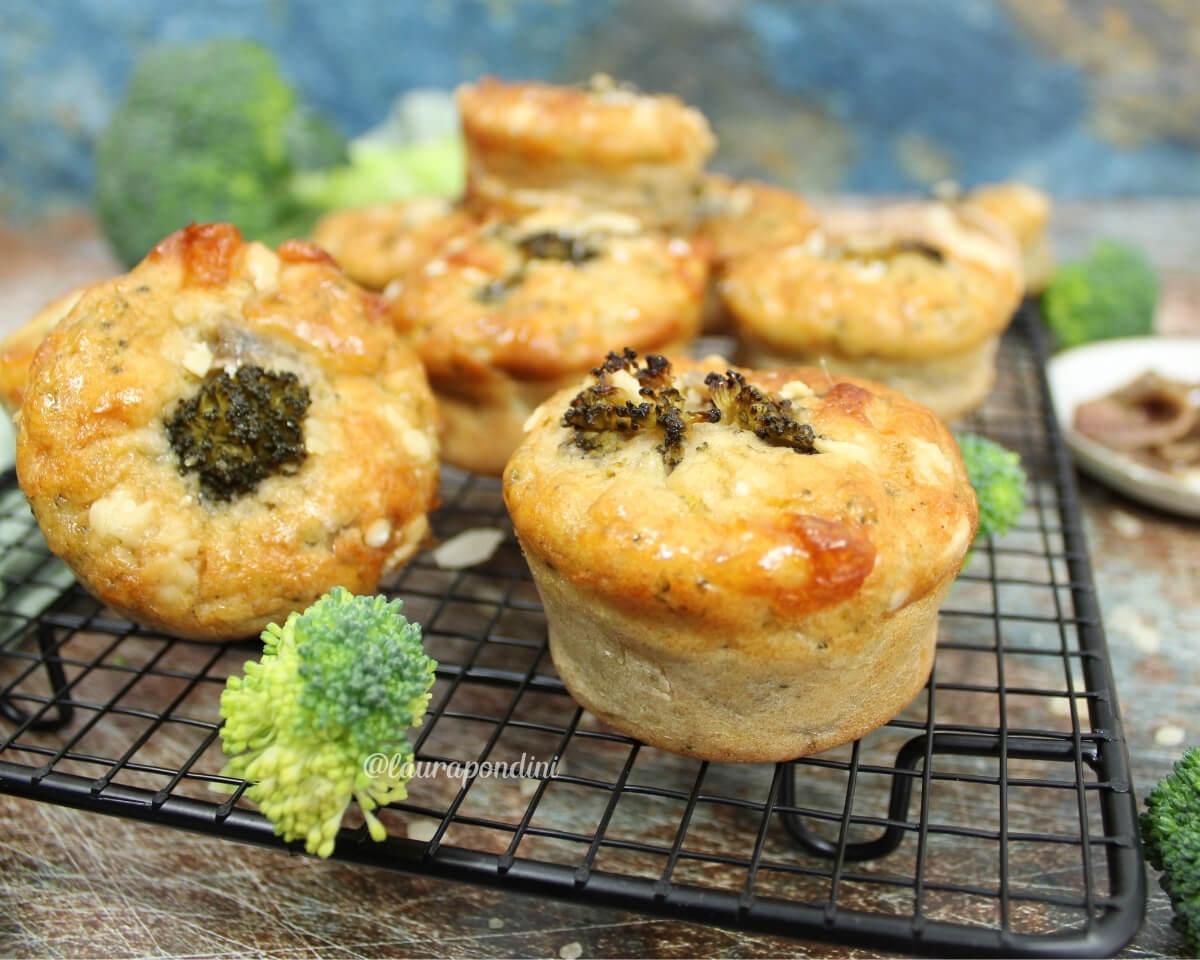 Muffins salati broccoli e alici: la Ricetta leggera