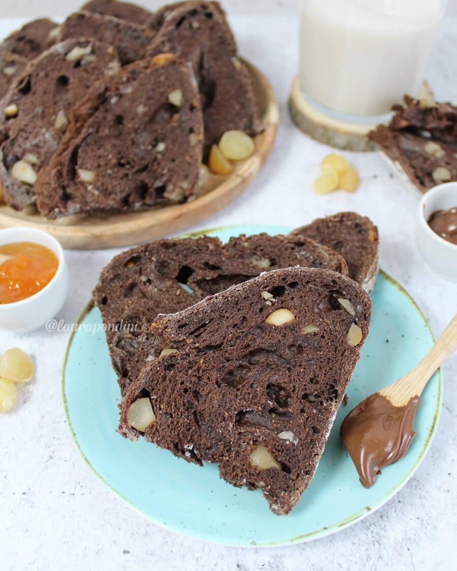 Pane lievito madre cacao e noci