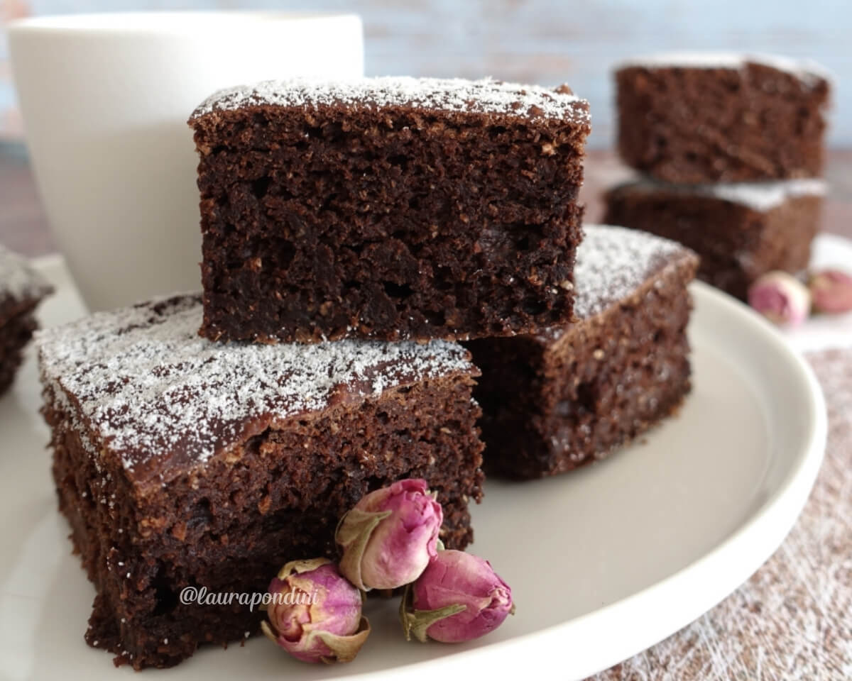 Brownies avocado e cacao: la Ricetta light pronta in 5 minuti