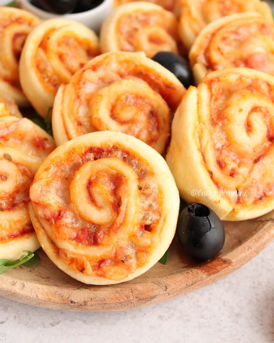 Girelle alla pizza ricetta light gustosa