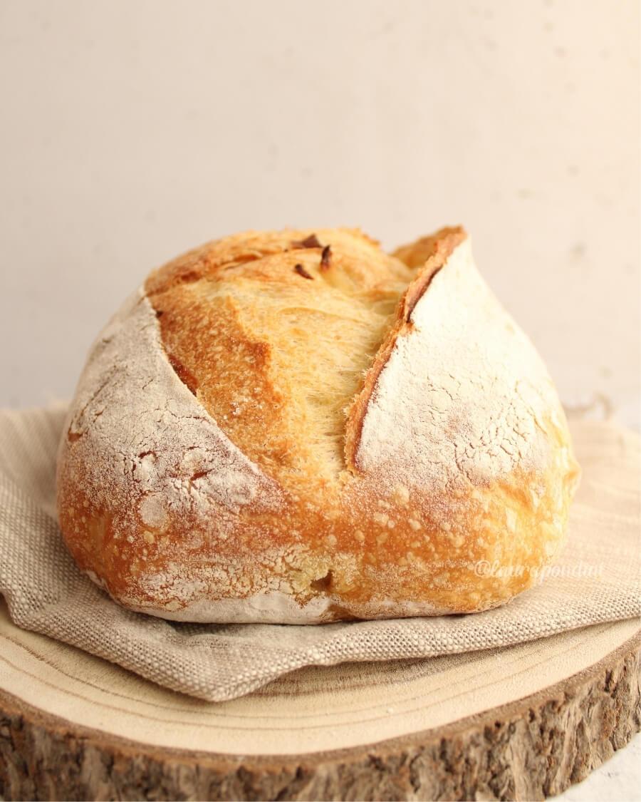 Pane alle cipolle e semola lievito madre ricetta