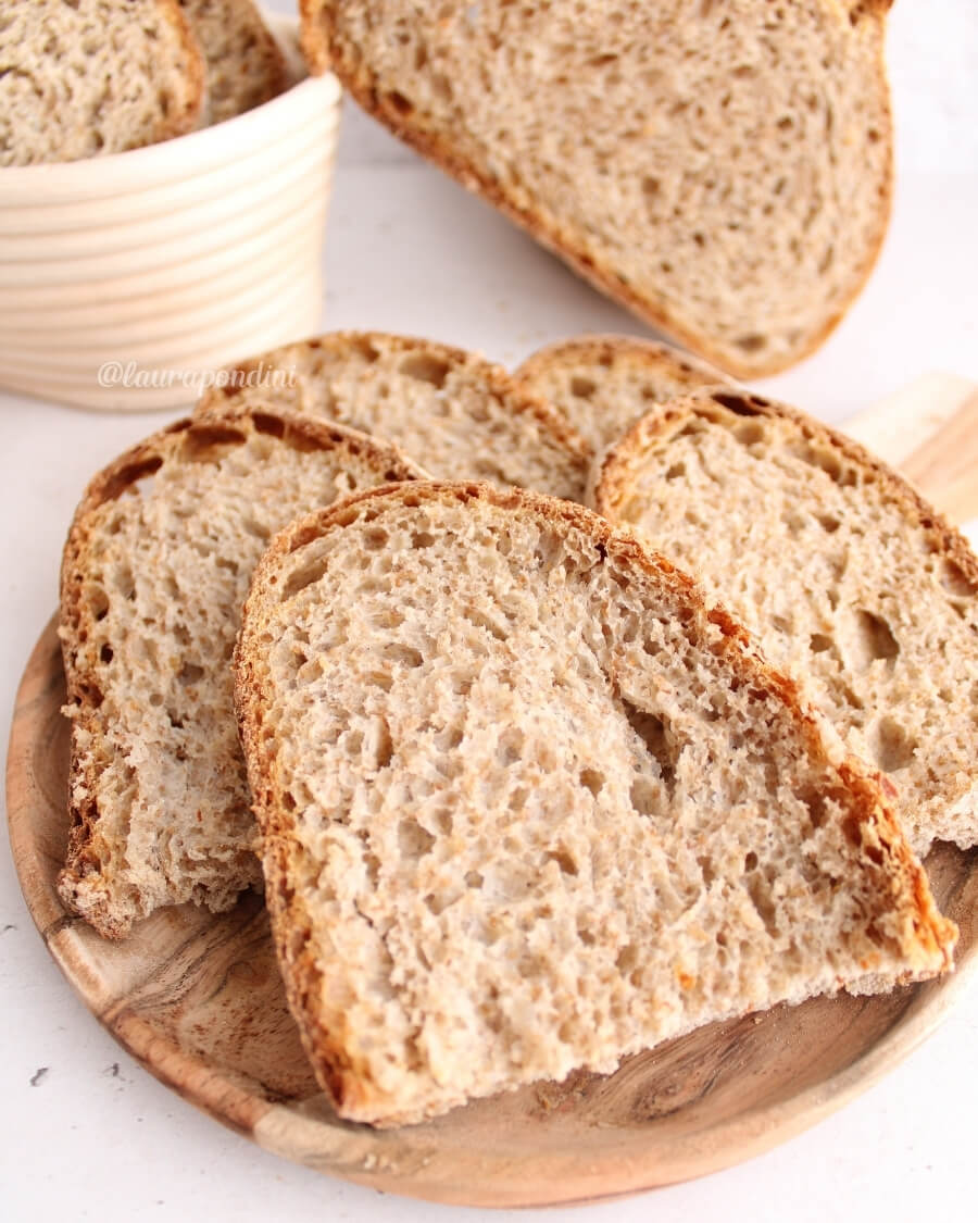 Pane integrale lievito madre ricetta