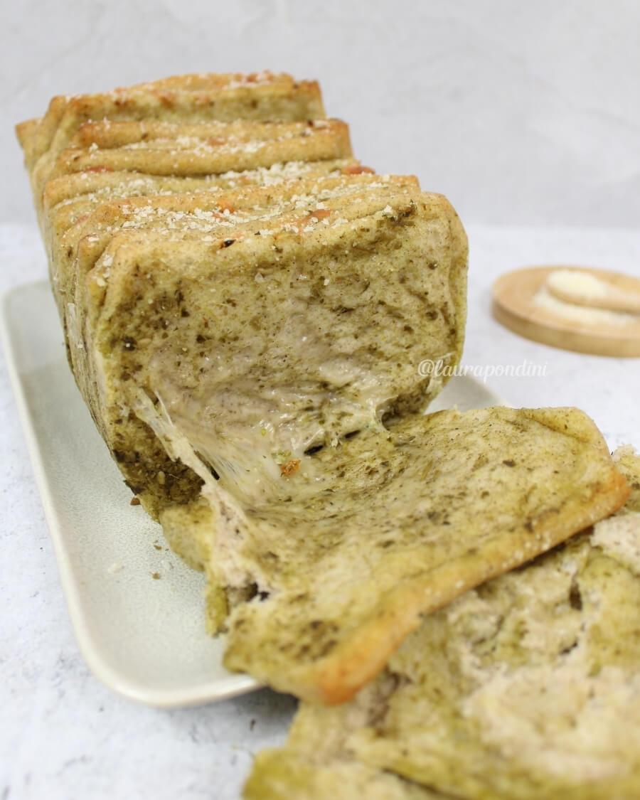 Pull apart bread pesto fiordilatte