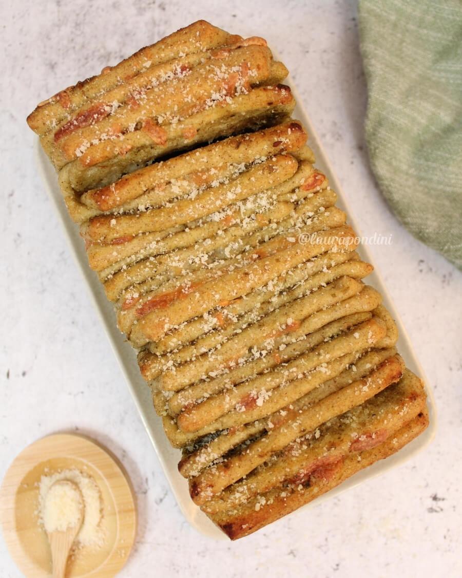 Pull apart bread ricetta sfiziosa