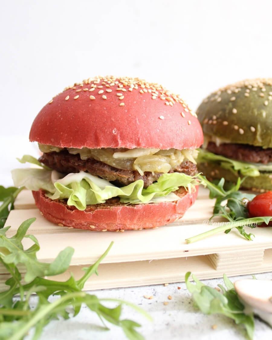 Burger buns colorati farciti