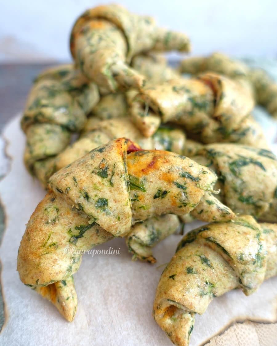 Cornetti salati ricotta spinaci