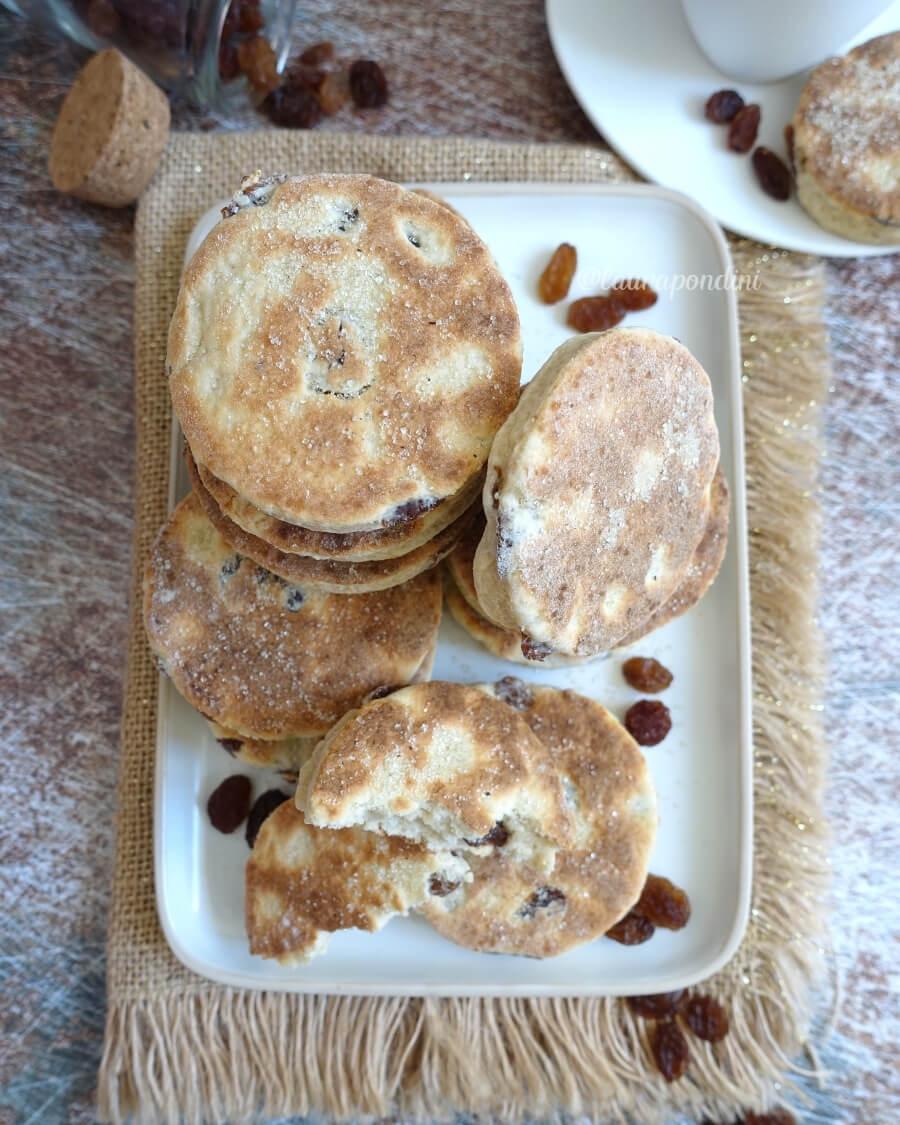 Welsh cakes biscotti cotti in padella